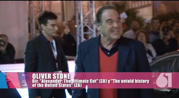 Llegada de Oliver Stone