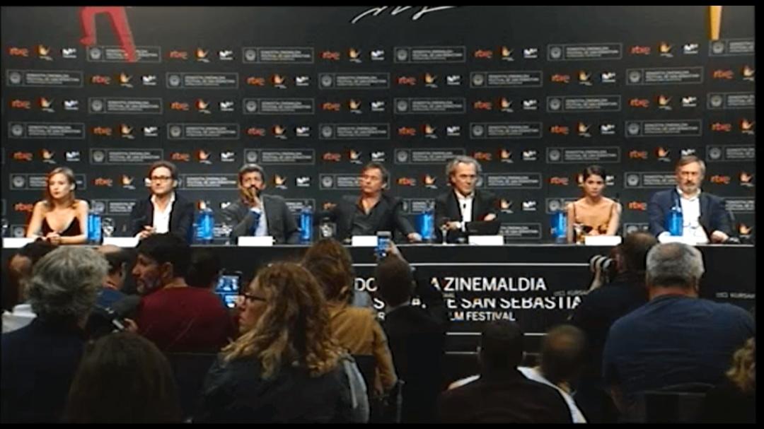 Press Conference  ''El Hombre de las MIl Caras'' (O.S)