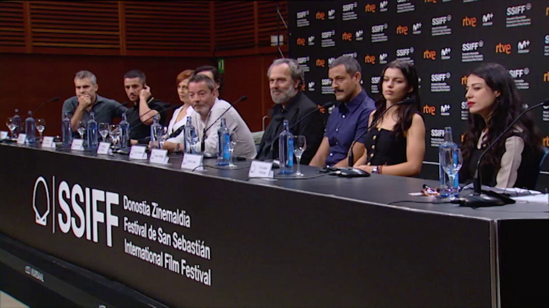 Press Conference ''GIGANTES'' (O.S)