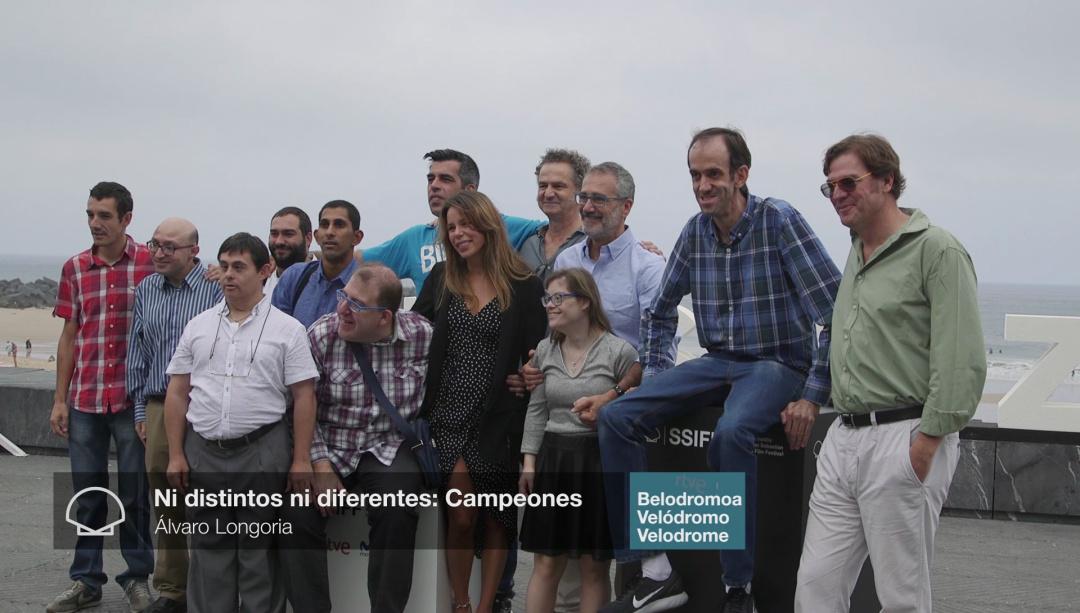 Photocall: ''NI DISTINTOS NI DIFERENTES: CAMPEONES'' (Velodrome)