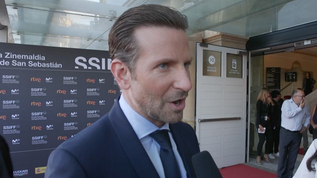 Interview to BRADLEY COOPER ''A STAR IS BORN (HA NACIDO UNA ESTRELLA)'' (Pearls)