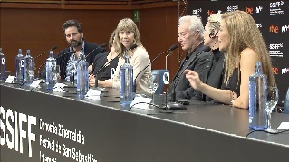 Press Conference ''IL PLEUVAIT DES OISEAUX / AND THE BIRDS RAINED DOWN'' (Y llovieron pájaros) (O.S)
