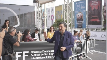 Arrival of Carlos Bardem  ''ADIÓS / ADIOS'' (Gala RTVE) and ''SANCTUARY'' (Santuario) (Other activities)