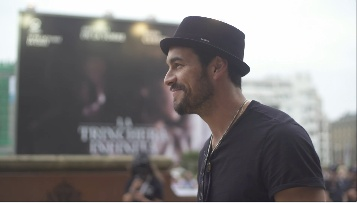 Mario Casas-en iristea ''ADIÓS / ADIOS'' (Gala RTVE)