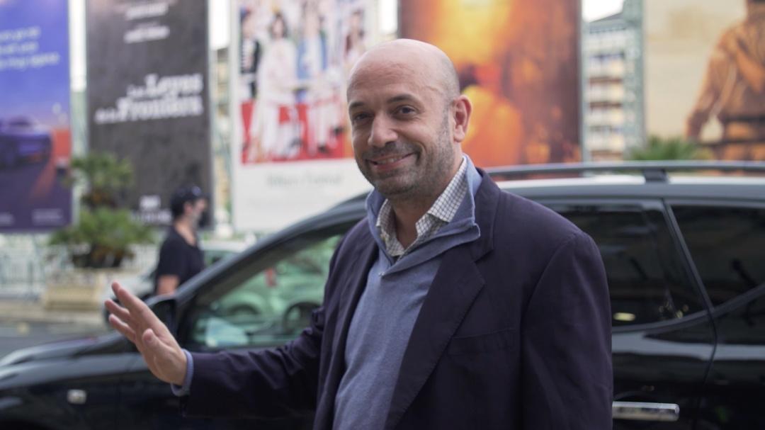 Arrival of Antonio Méndez Esparza ''COURTOOM 3H'' (O.S.)
