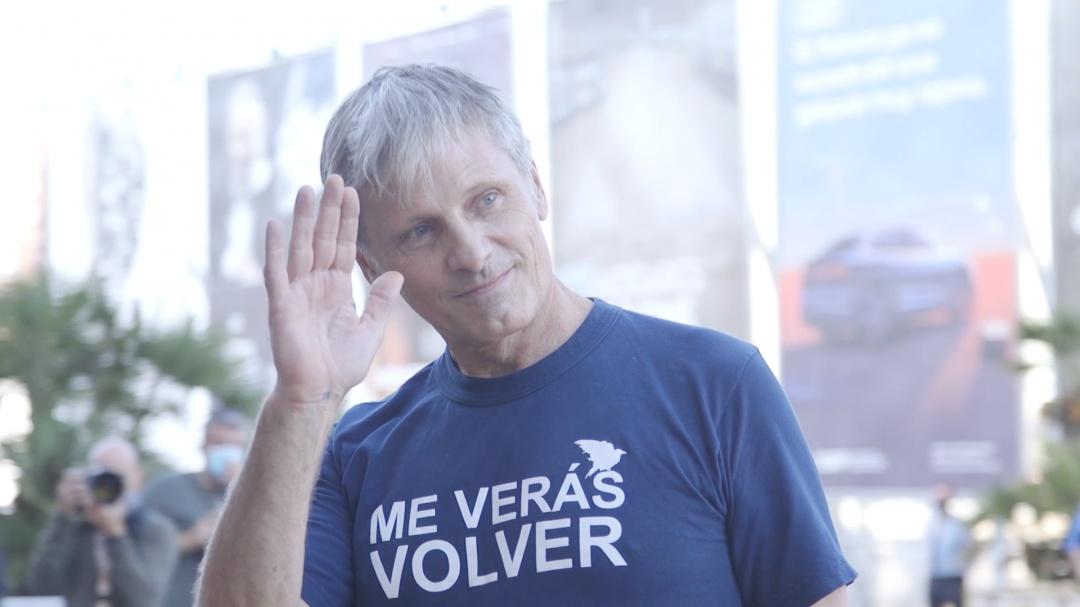 Viggo Mortensen-en iristea ''FALLING'' (D.S.E.)