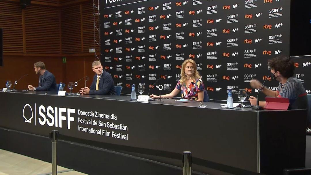 Press Conference ''SUPERNOVA'' (O.S.)