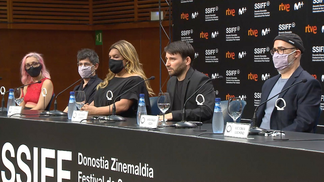 Press Conference ''NOSOTROS NUNCA MORIREMOS / WE WILL NEVER DIE'' (O.S.)