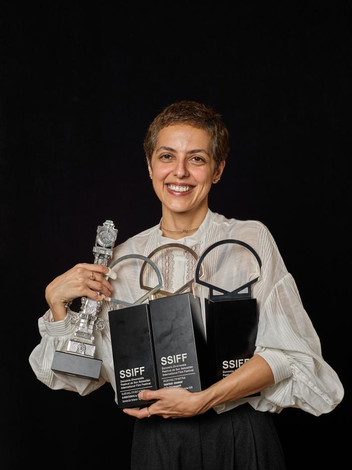 'DASATSKISI / BEGINNING' -  Concha de Oro a la mejor película, Concha de Plata a la mejor dirección, Concha de Plata a la mejor actriz y Premio del Jurado al mejor guión