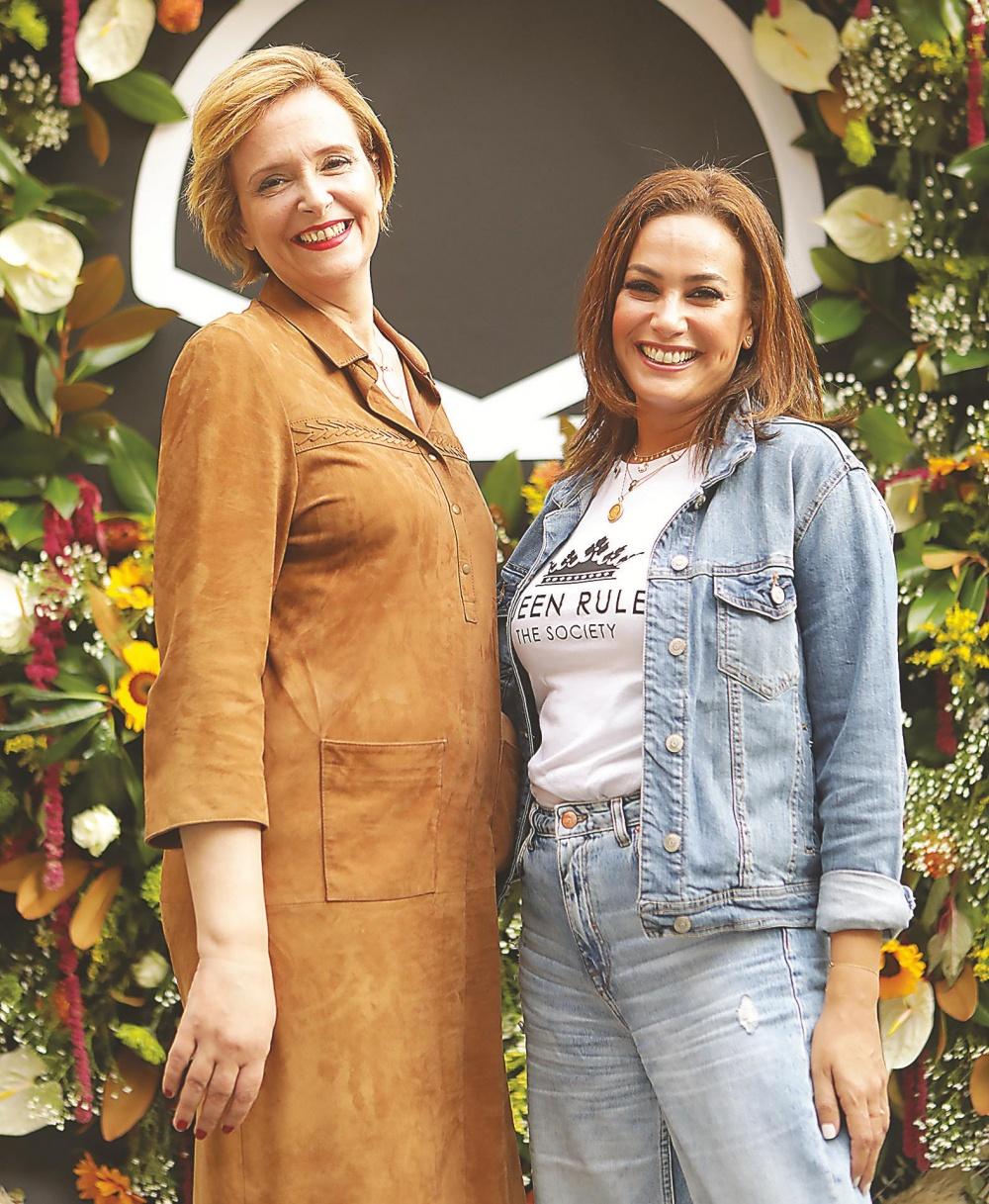 Hinde Boujemaa y Hend Sabri directora y actriz protagonista.