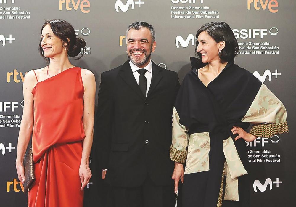 Amparo Noguera, Torres Leiva y Julieta Figueroa.
