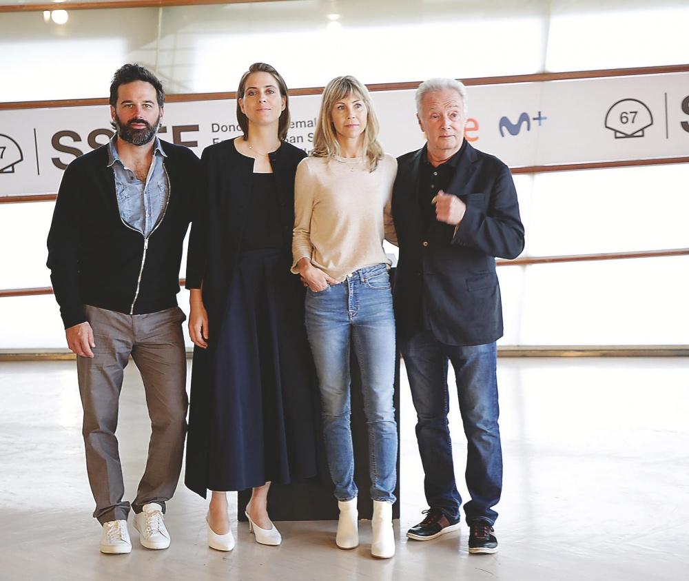 La directora Louise Archambault (segunda por la derecha) y los actores Gilbert Sicotte, Eve Landry y Éric Robidoux.