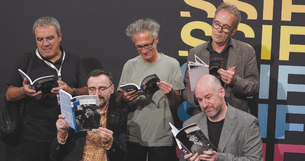 Losilla,  Casas y Reinhard Maiworm (de pie), y Josemi Beltrán y Joxean Fernández