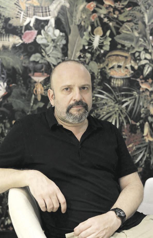 ALEX ABRIL