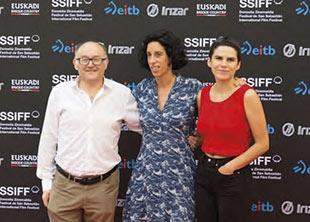 José Luis Rebordinos, Aitziber Olaskoaga eta Maddi Barber, iaz, Ikusmira Berriak programaren aurkezpenean.