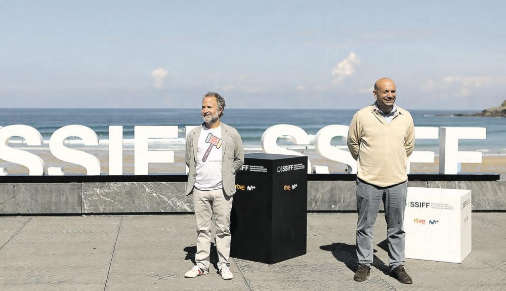 El productor del film, Pedro Hernández, y su director, Antonio Méndez.