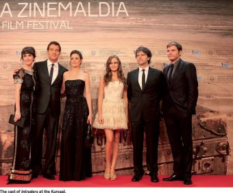 The cast of Intruders at the Kursaal.