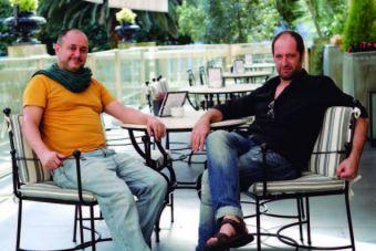 El director Roberto Castón y el actor Josean Bengoetxea.