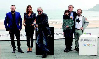 José Sacristán lidera el reparto de este curioso thriller de Carlos Vermut (primero por la izquierda).