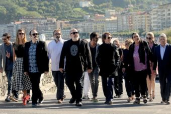 The director and his numerous troupe of actors landing the Kursaal