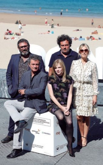 Laurieu brothers, with actors Isabelle Carré, Karin Viard and Sergi López.