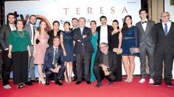 Representantes de TVE y buena parte del equipo de Teresa antes de la gala.