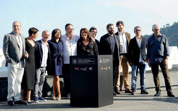 El equipo de El autor en la presentación de la película.
