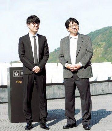 Genki Kawamura ekoizlea Nobuyuki Takeuchi zuzendariarekin batera.