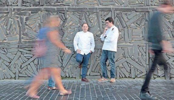 Enrique Fleischmann y Jorge Maestro, cocineros de la cena temática.