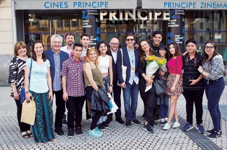 Argentina y Euskadi unidos por el cine antes de la presentación.