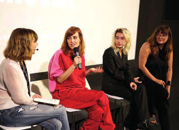 Natalia de Molina, Greta Fernández y la directora Isabel Coixet. PABLO GÓMEZ
