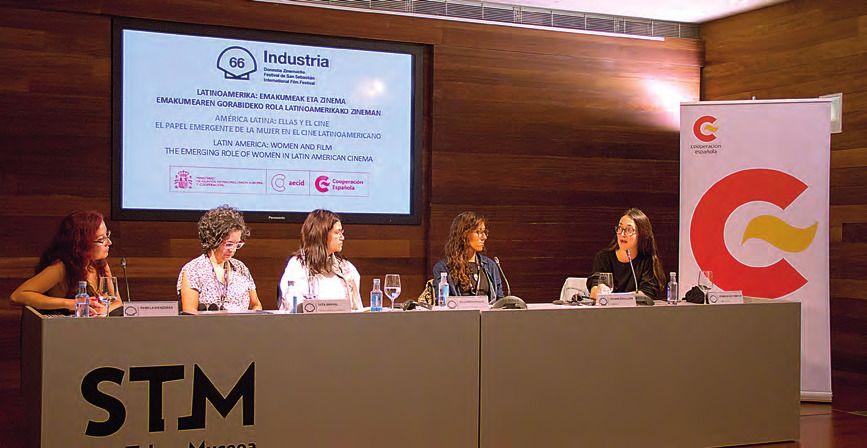 Pamela Biénzobas, Tata Amaral, Alejandra Paulin, Tatiana Graullera, Dominga Sotomayor. MARC BOSCH