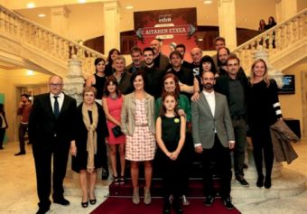 Filmeko aktoreak, Cristina Uriarte, Miren Azkarate, Maite Iturbe eta José Luis Rebordinos.