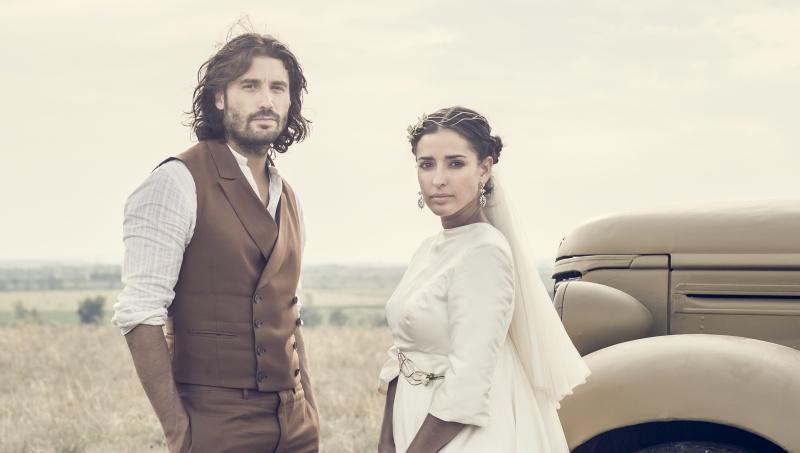 LA NOVIA / THE BRIDE