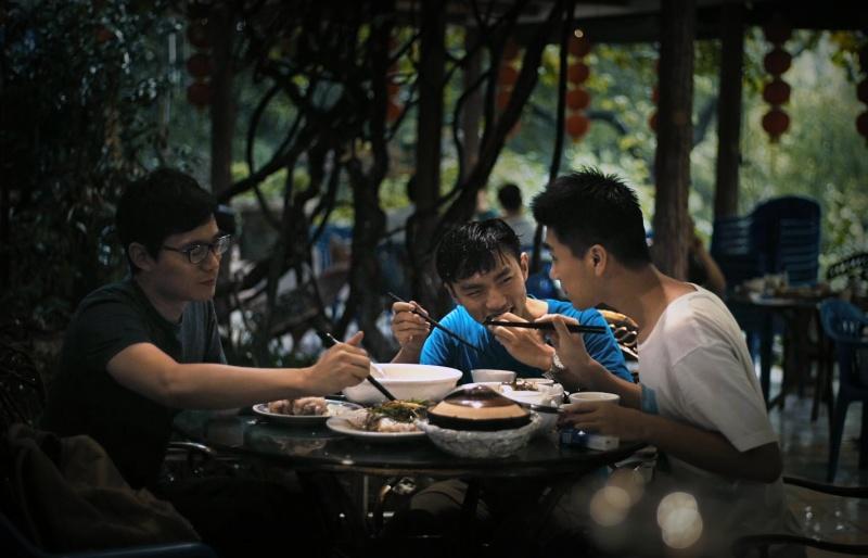 HU XI ZHENG CHANG / SOMETHING IN BLUE